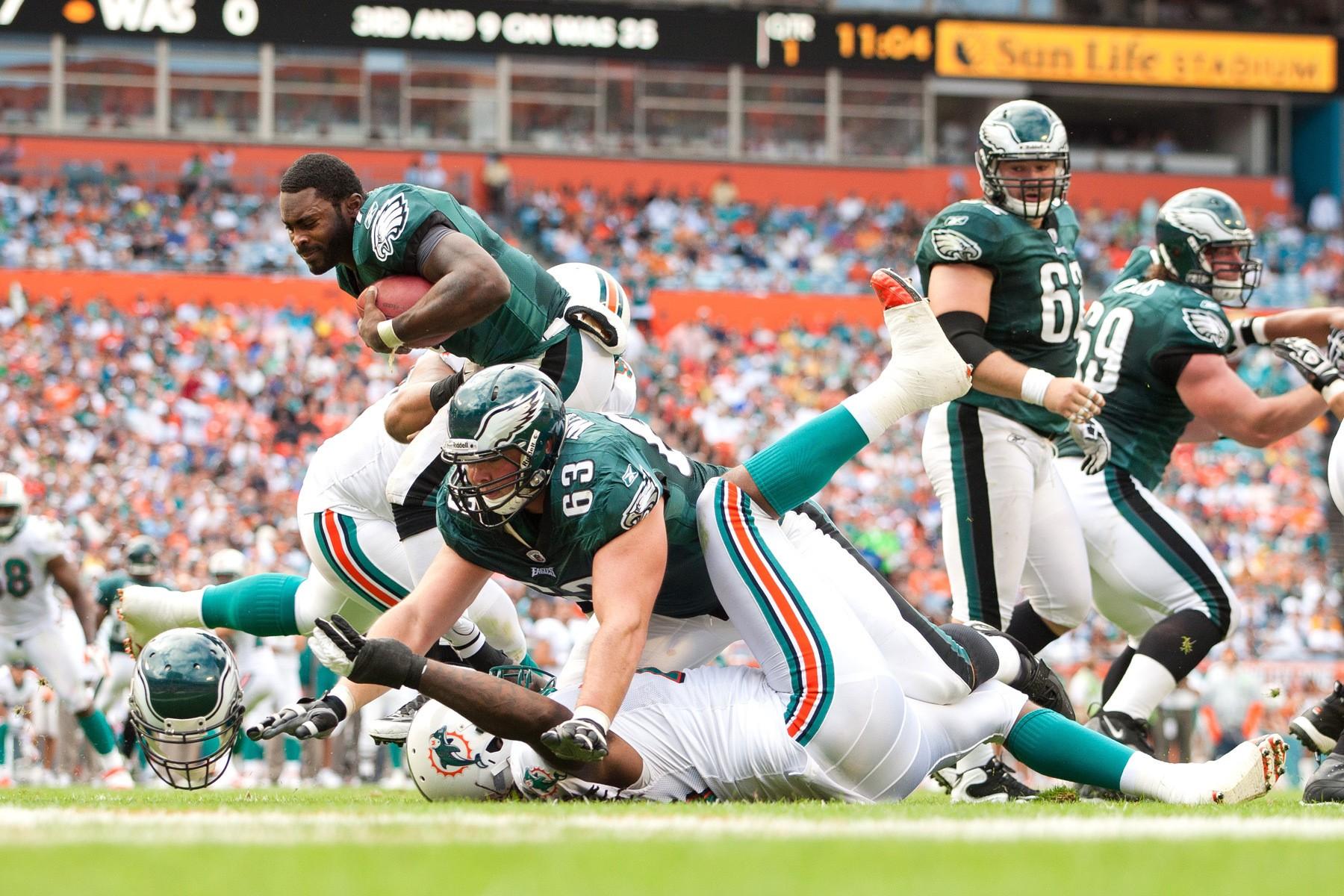 NFL: DEC 11: Eagles at Dolphins