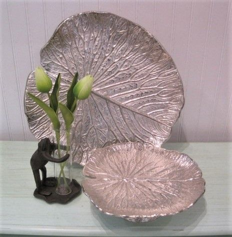 Lily Pad Frog Vase & Tozai Home Water Lily Pedestal Tray