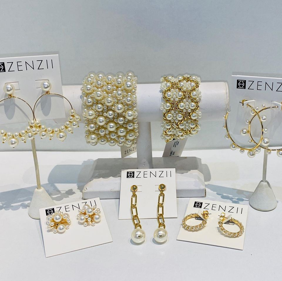 Zenzii Gold and Pearl