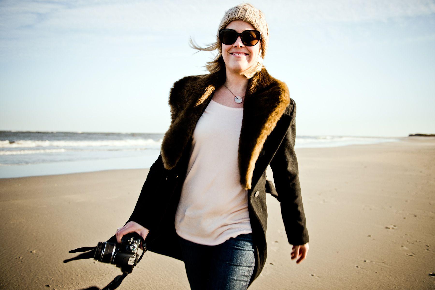 1stefanie_ocean_city_winter_with_wife_walking_beach_01_nikon_d4_dsc6168