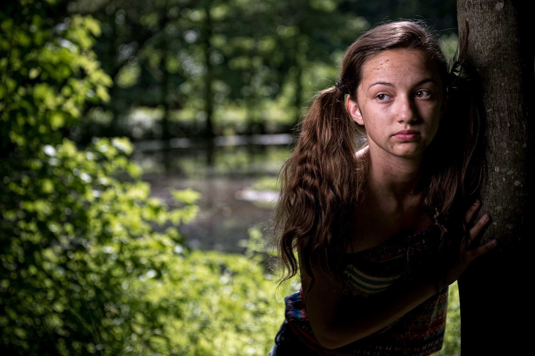 1hunting_and_gathering_young_native_american_searching_dsc1549