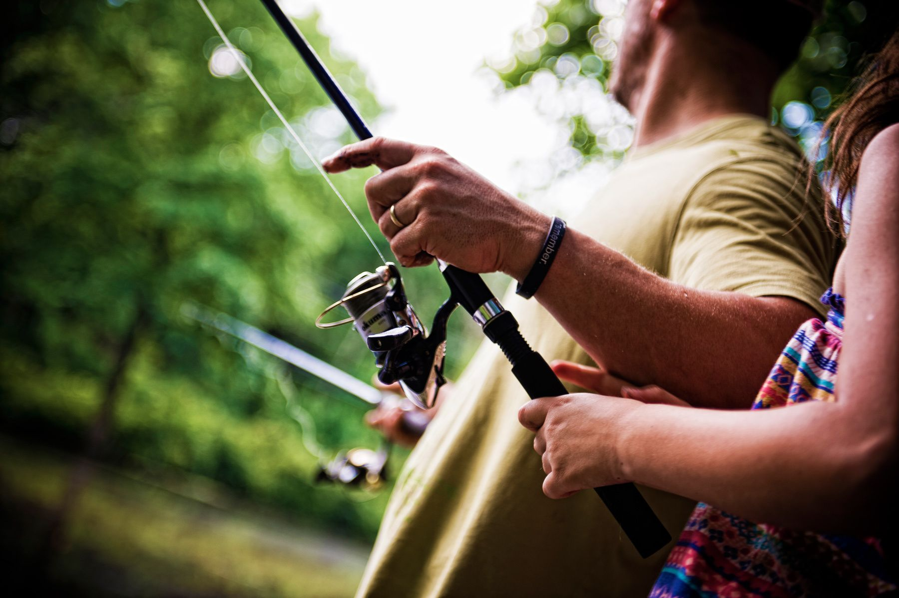 1hunting_and_gathering_father_daughter_fishing_dsc1588