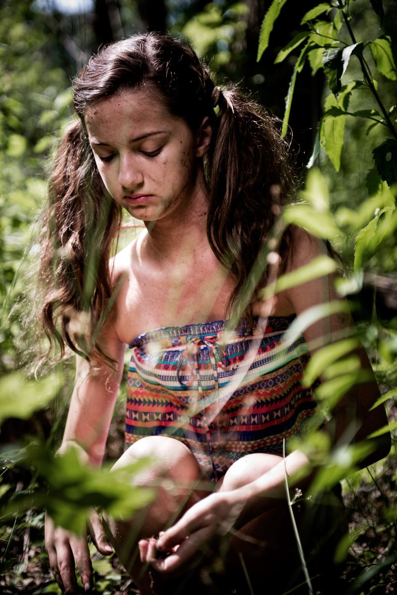 1hunting_and_gathering_young_native_american_woman_collecting_herbs_and_spices_dsc1539