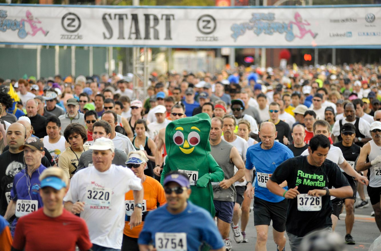 MARATHON: A man dressed as Gumby runs in the Bay To Breakers marathon in San Francisco