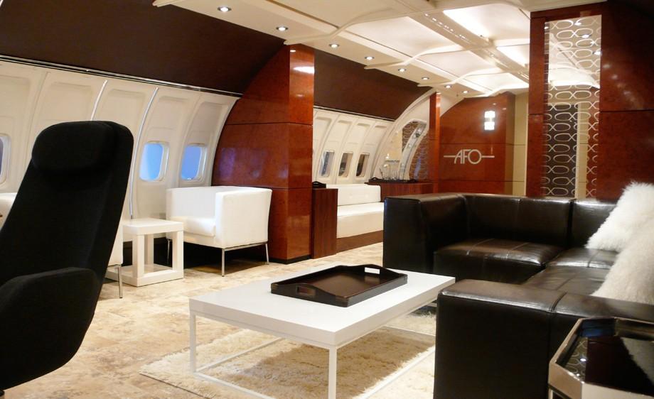 Int. Jumbo Jet