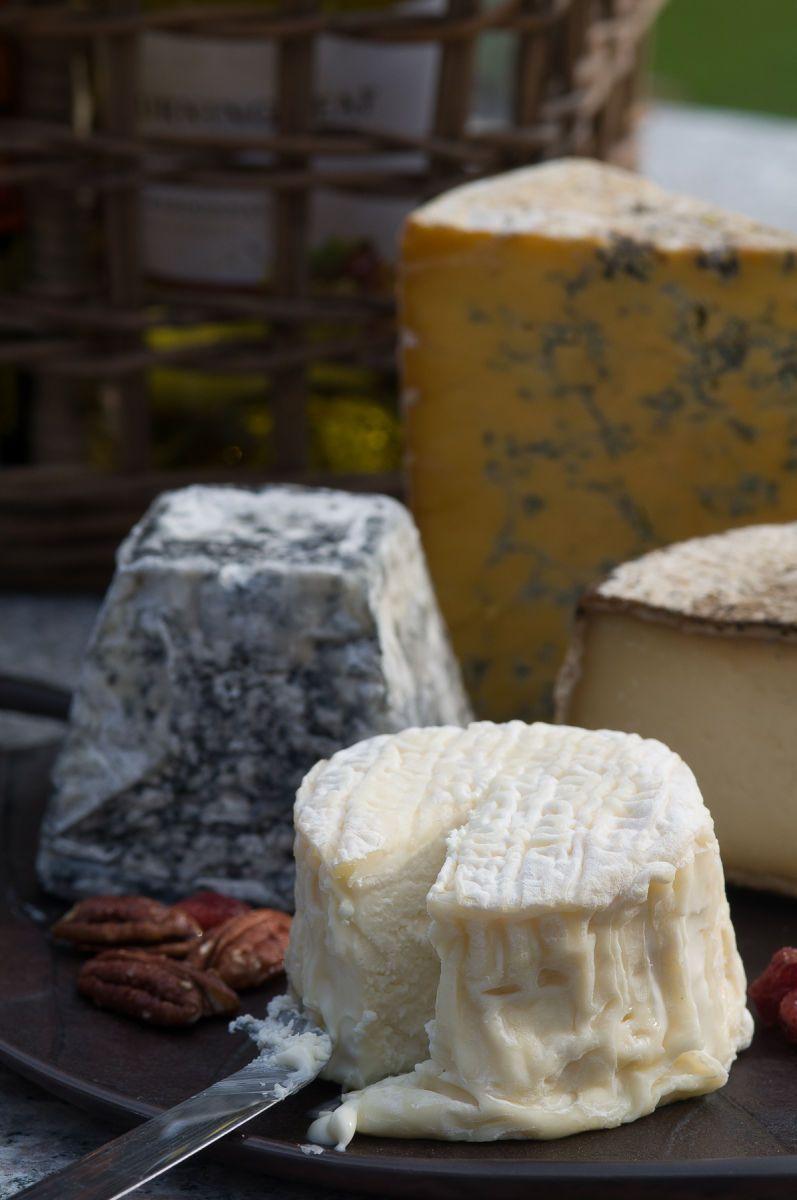1local_artisan_cheeses_1.jpg