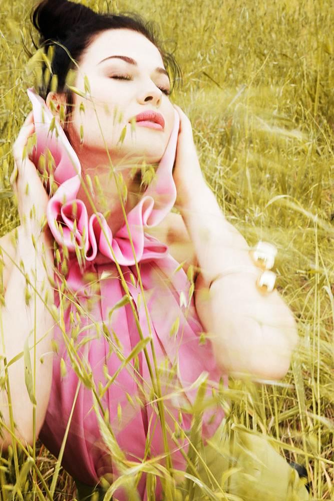 JENNY WATWOOD - STILL PHOTO FROM FILM SHOOT