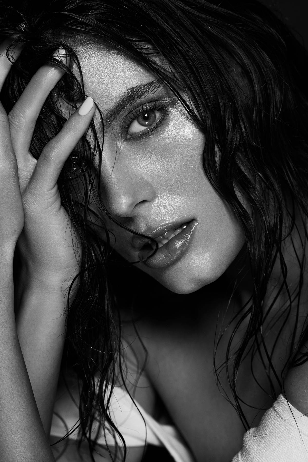 WATER_HYDRATION_glowing_sking_face_beauty_photography_los_angeles_DT_bw_LB_maggie349_v2.jpg