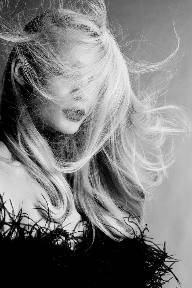 Hair Beauty  OUTTAKE - MOD MAGAZINE