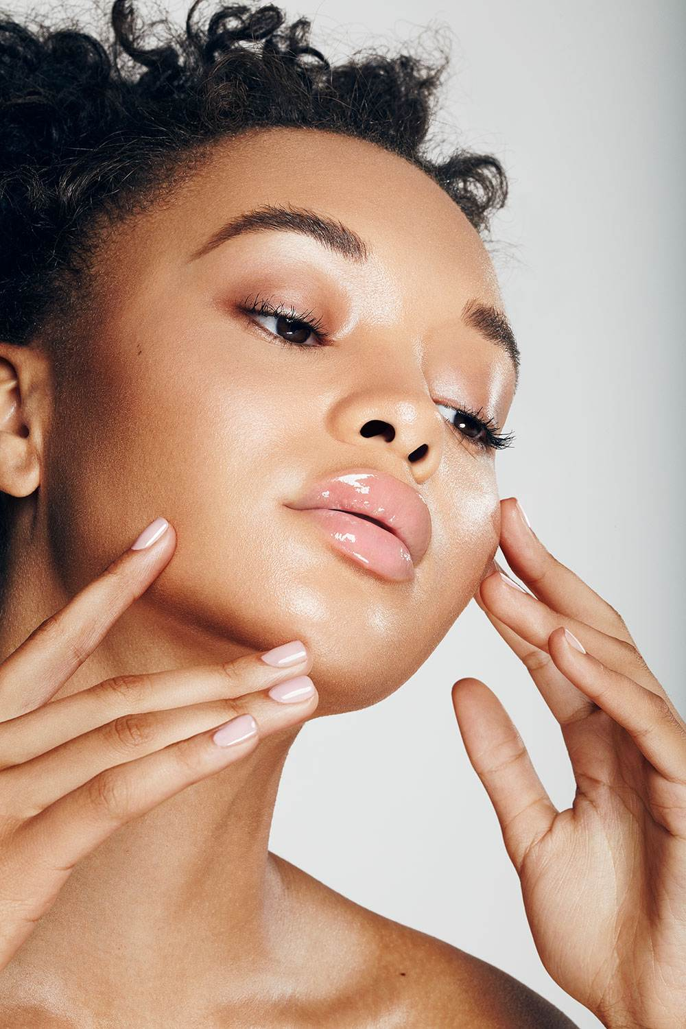 CLEAN AND GLOWING BEAUTY - ARCHIVE