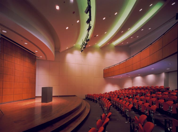 IIT Kent Law School500 Seat Auditorium
