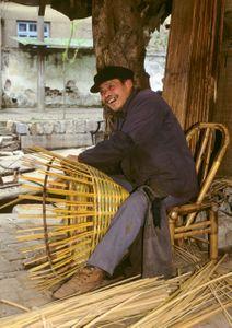 Basketmaker. Zhouzhuang, China