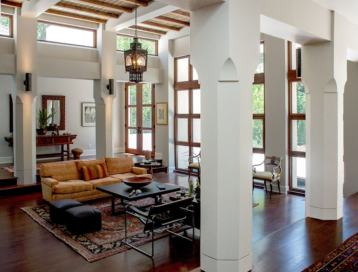 1r1_usd_living_room.jpg