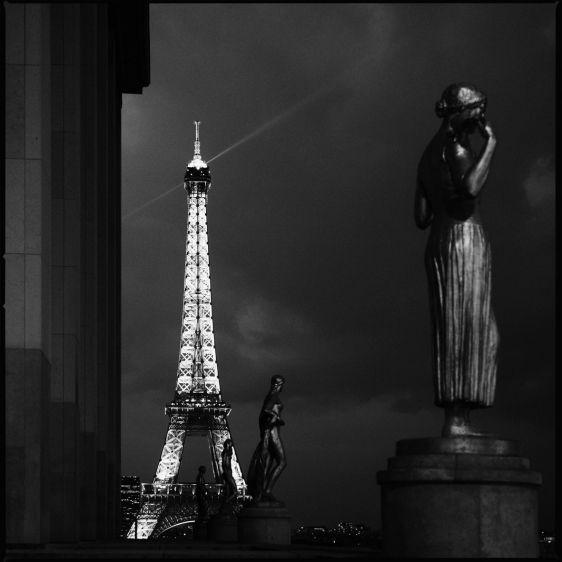 1r301208_Paris_01BW.jpg
