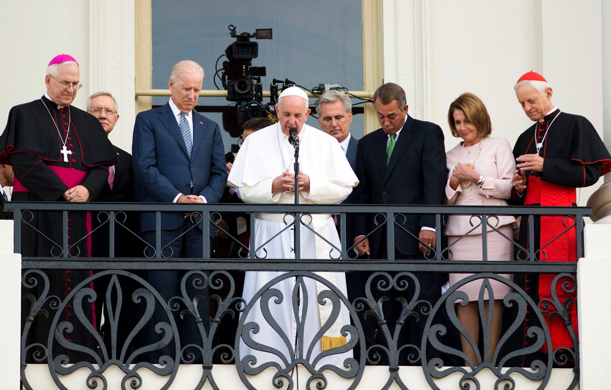 PopeBalconyWeb.jpg