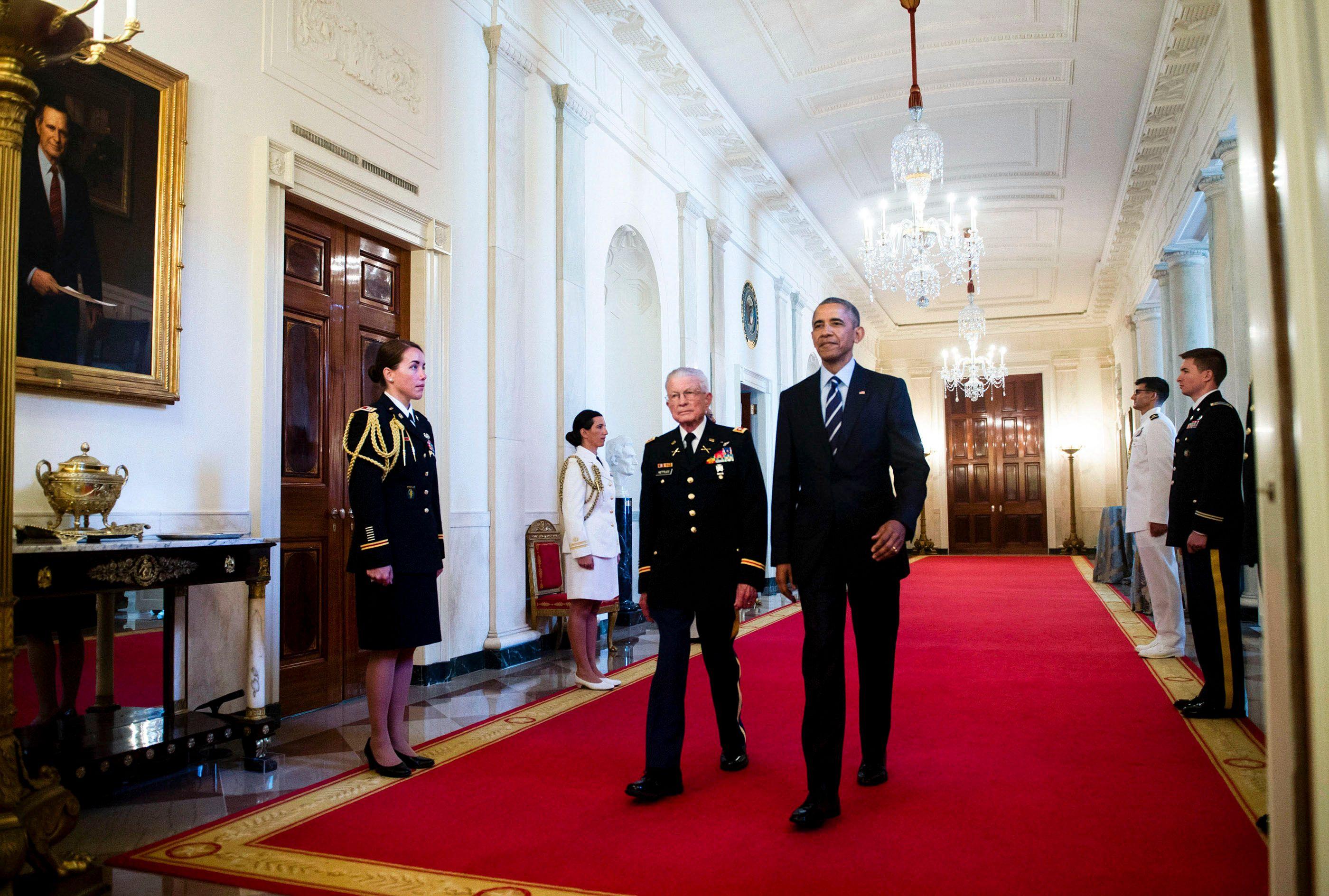ObamaRedCarpetWeb.jpg