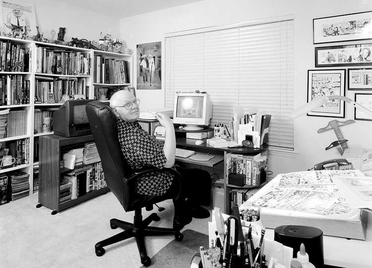 """Comic Book Artist Don Perlin Photographed for"""" The Artist Within: book 2"""""""