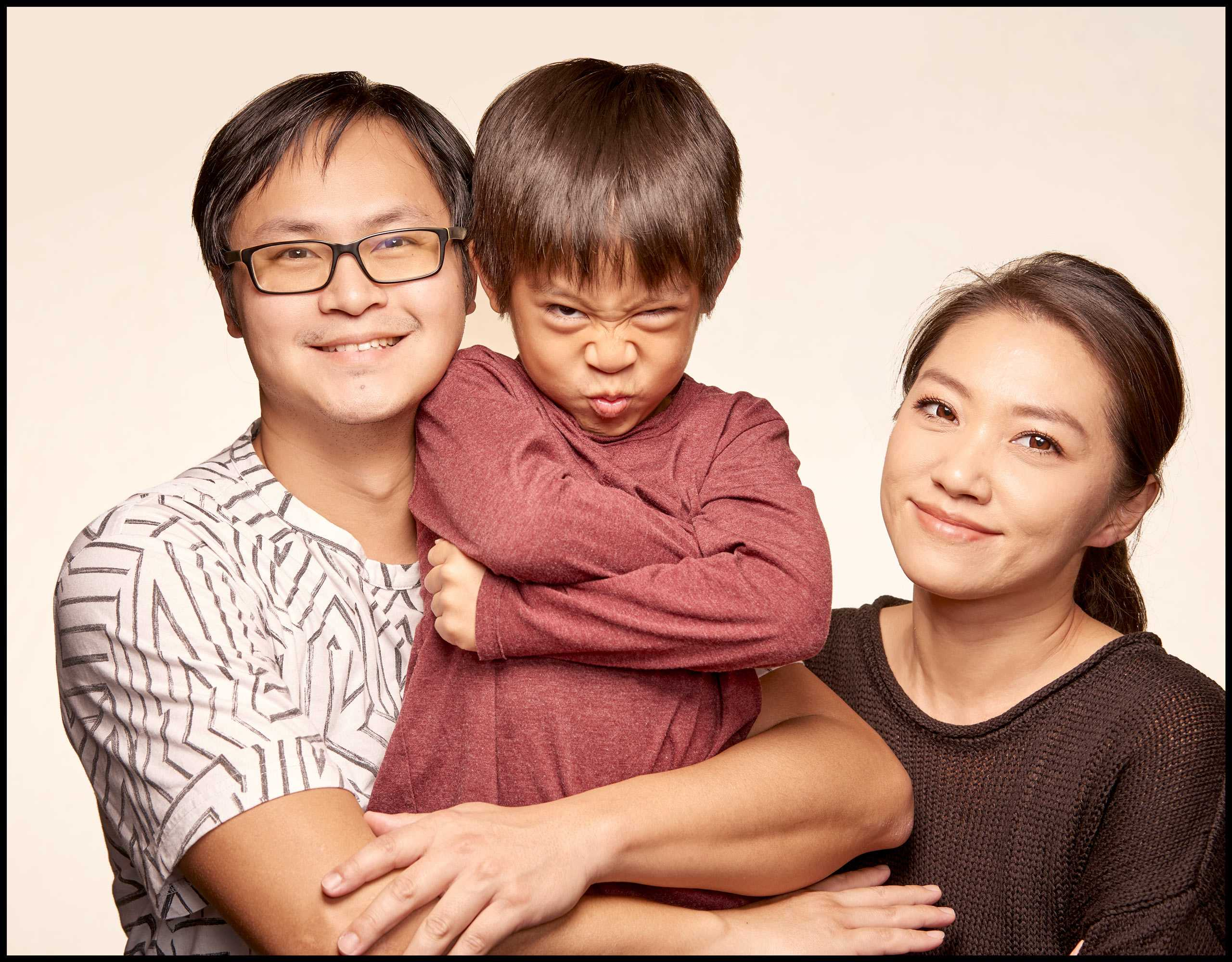 Vicky Chiang Photographed with her Family by Sampsel Preston Photography
