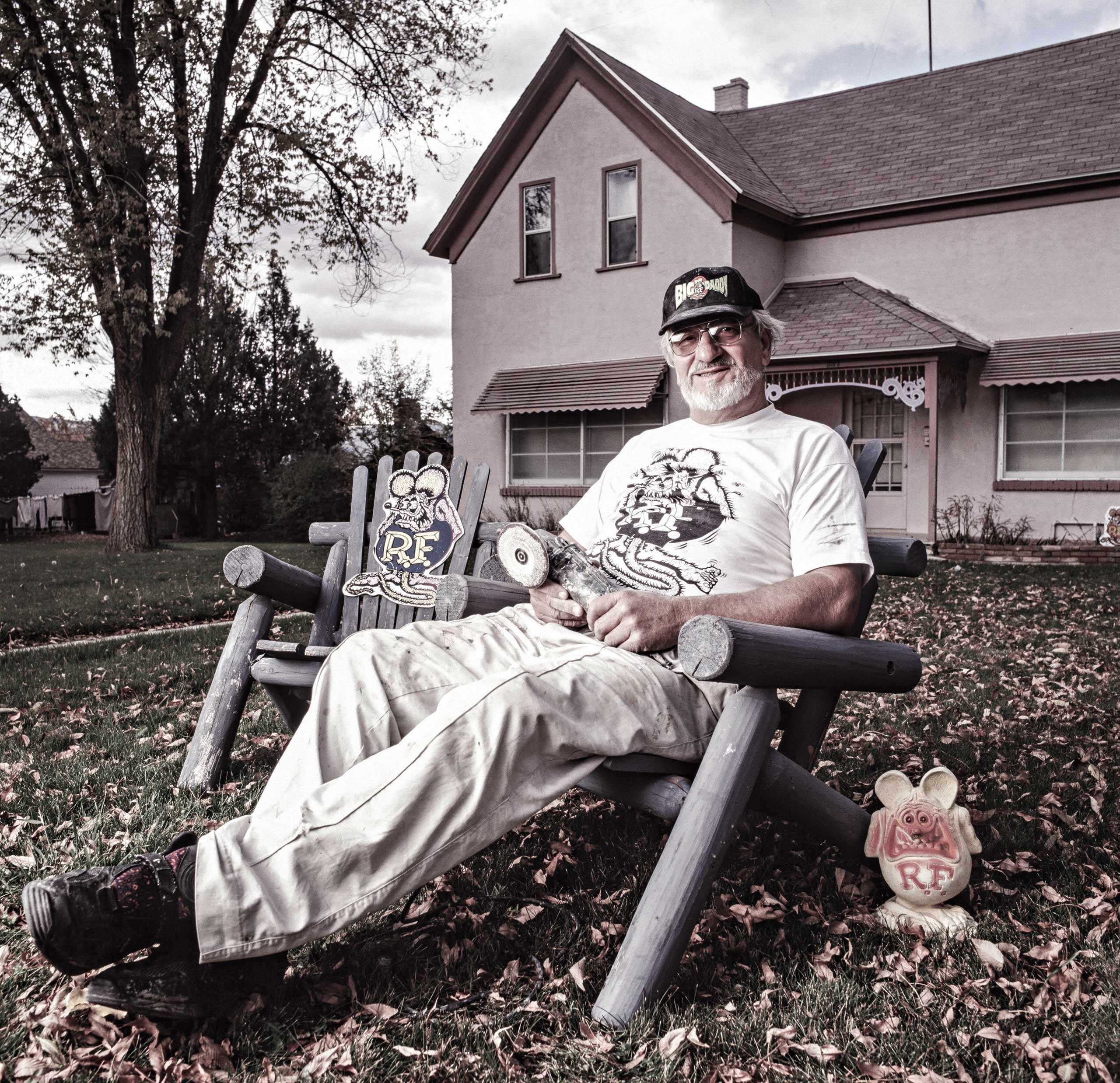 "Ed ""Big Daddy"" Roth Photographed at his home for ""The Artist Within: Book 2"""