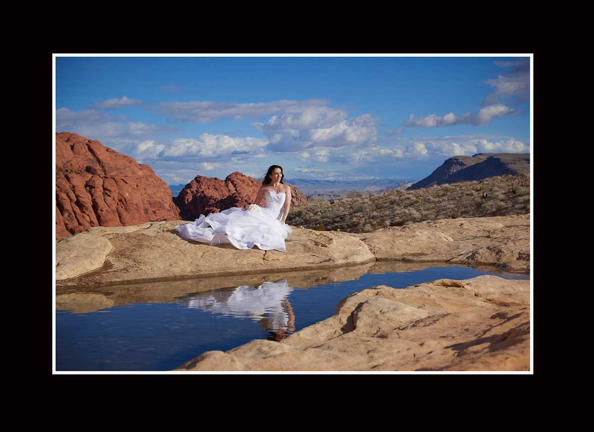 Bridal Portrait of Anastasia at Red Rock Canyon