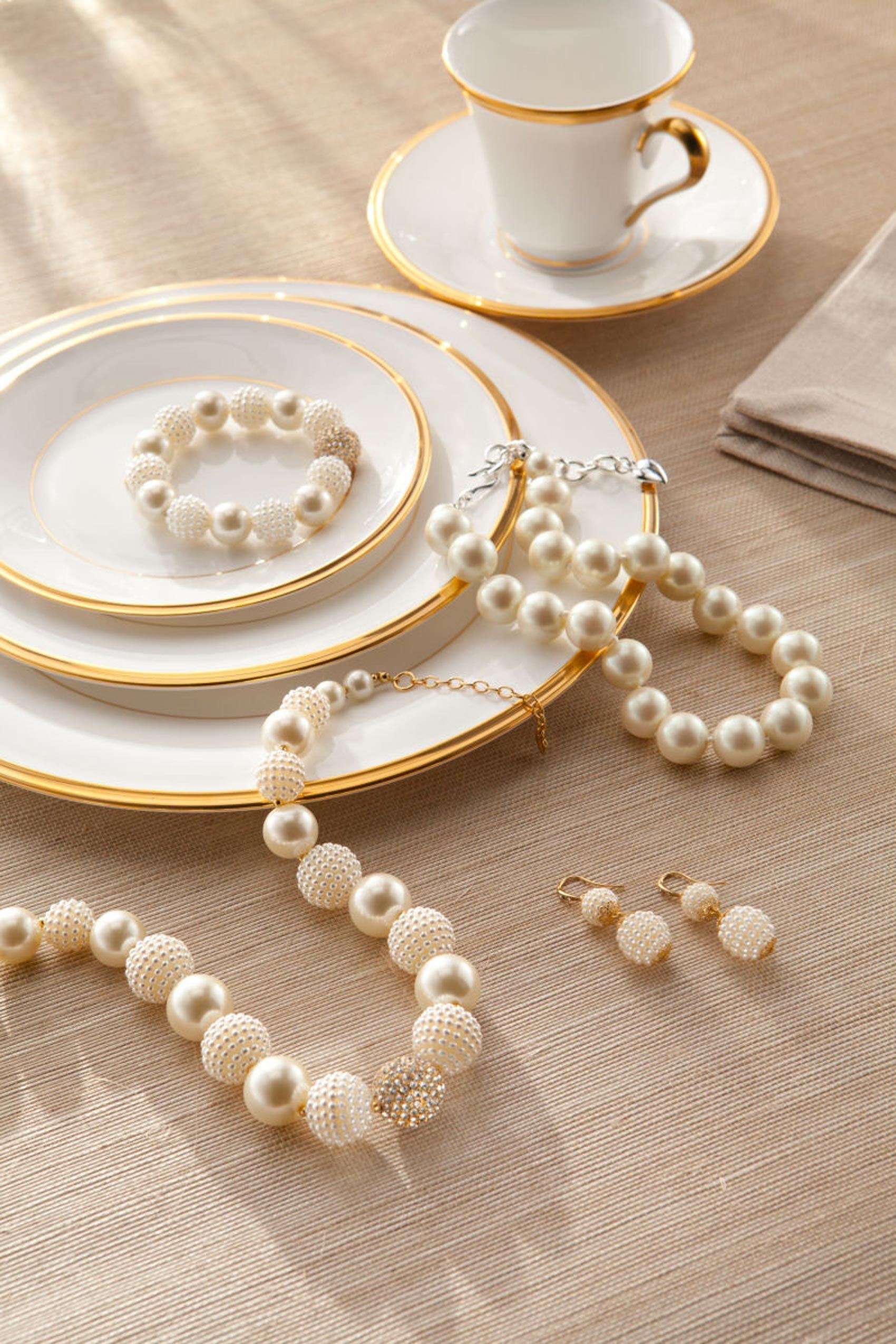 kate-spade-pearls-china.jpg