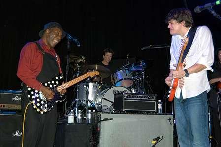 Buddy Guy andJohn MayerDecember 28, 2003