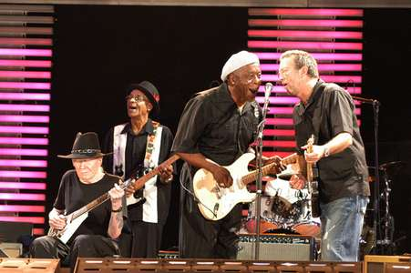 Johnny WinterHubert SumlinBuddy Guy and Eric ClaptonCrossroads Concert 2Chicago 2007