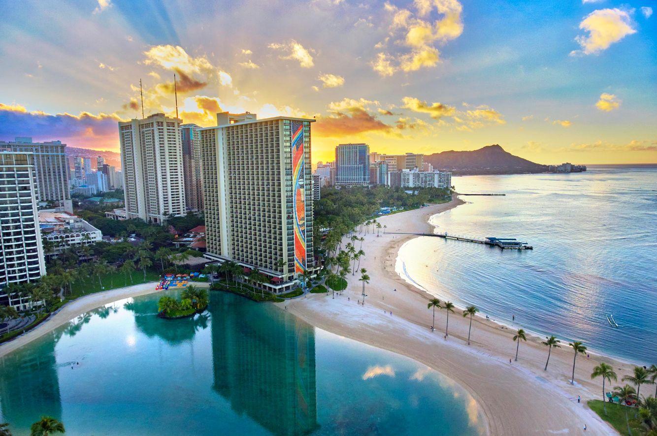 Ric-Noyle_Waikiki-Beach_aerial_09.jpg