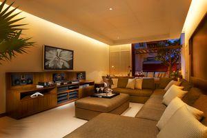 Halekulani Orchid Suite Steinway Lounge_Ric Noyle.jpg