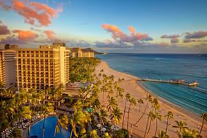 Hilton-Hawaiian-village_Alii-Tower-sunset-exterior.jpg