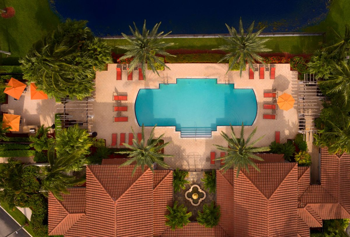 Camden Doral Villas Pool View Miami
