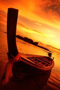1thai_boat.jpg