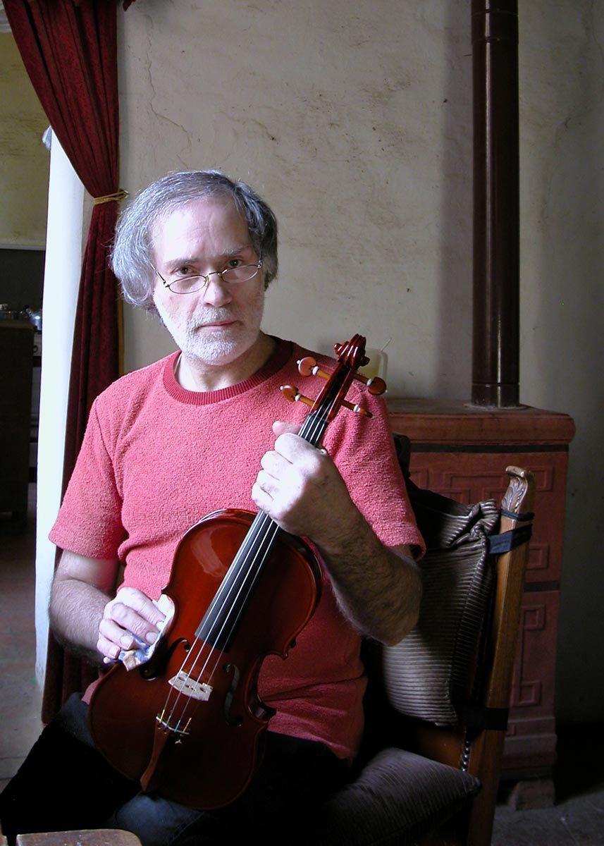 1maestro_alceste_bulfari_violin_maker_s__maria_bressanoro_castelleone_italy.jpg