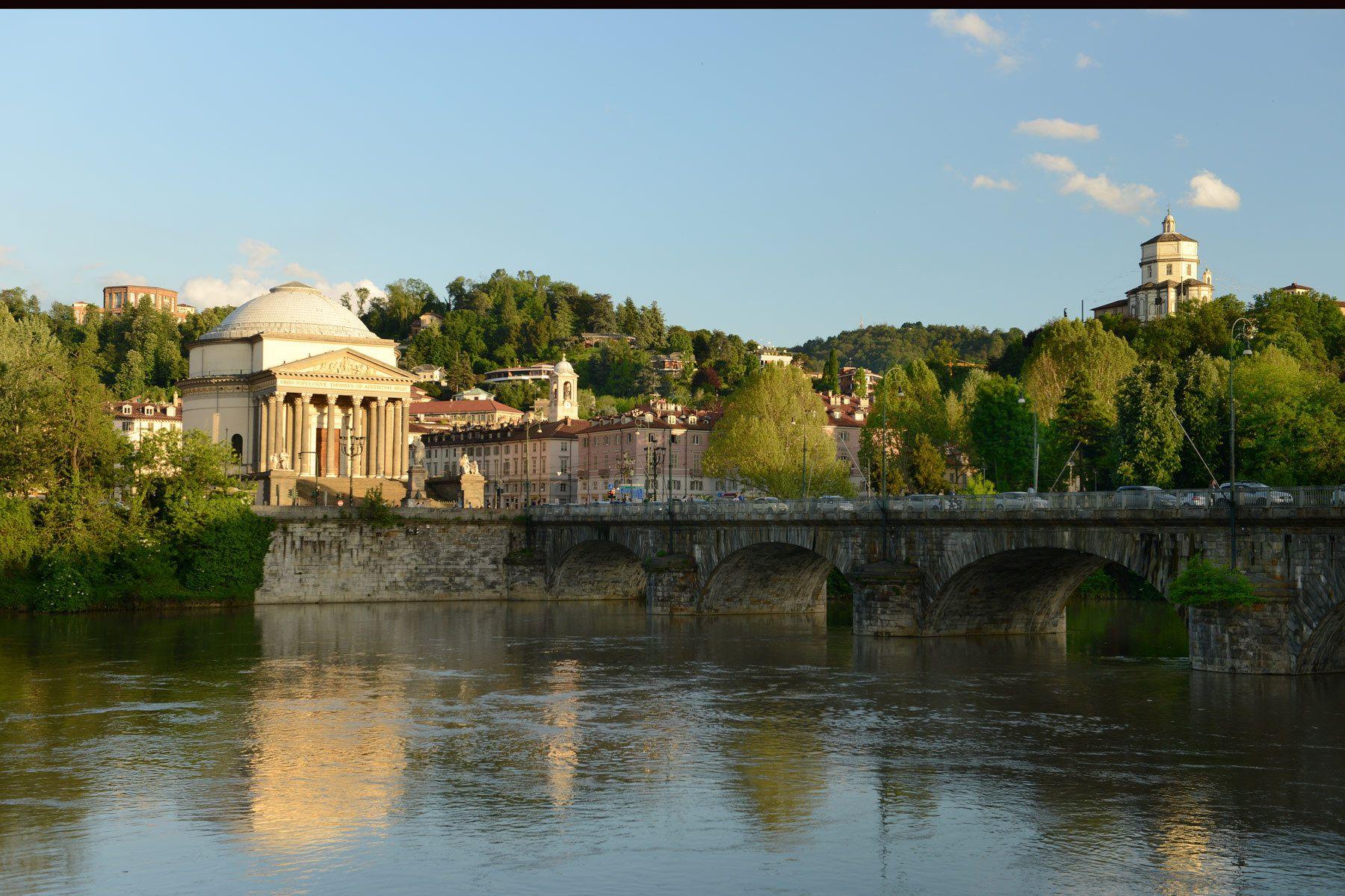 1gran_madre_po_river_turin_italy.jpg