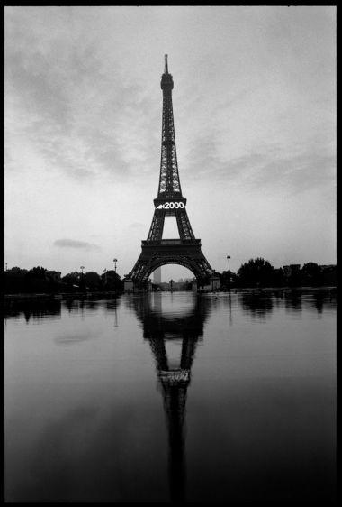 13_0_109_1PA001_EiffelMirror.jpg