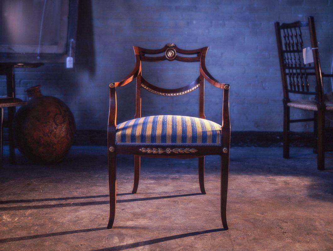 1mystery_chair