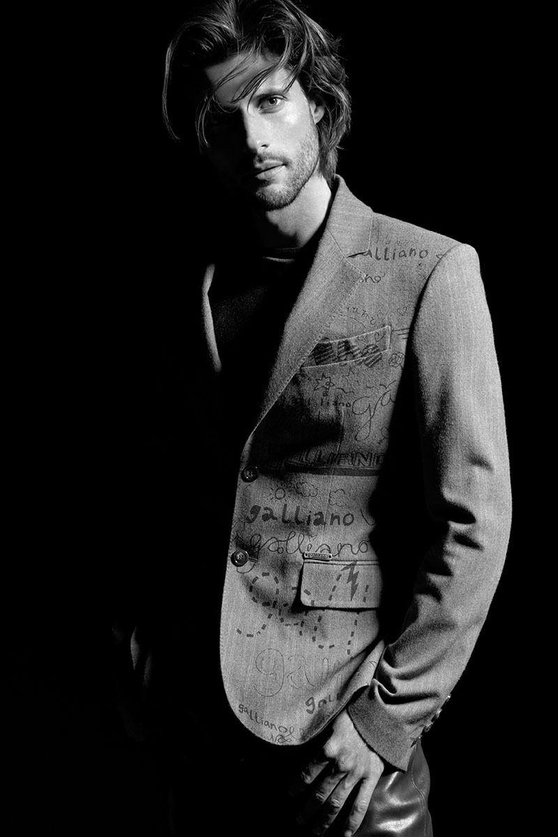Model: Tommy Dunn