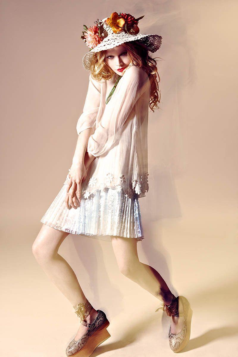Model: Katya Elizarova