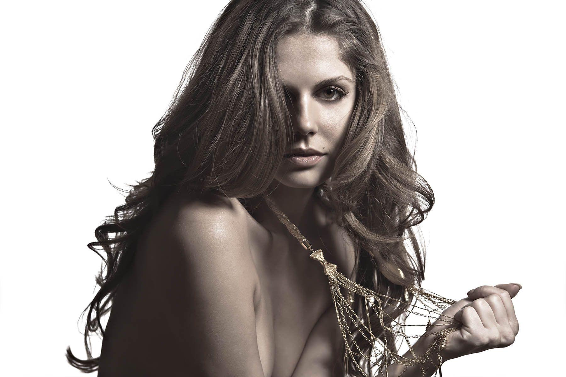 Model: Madlena Kalinova