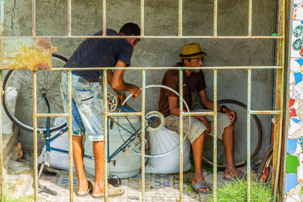 cuba_street_bicycle_repair.jpg