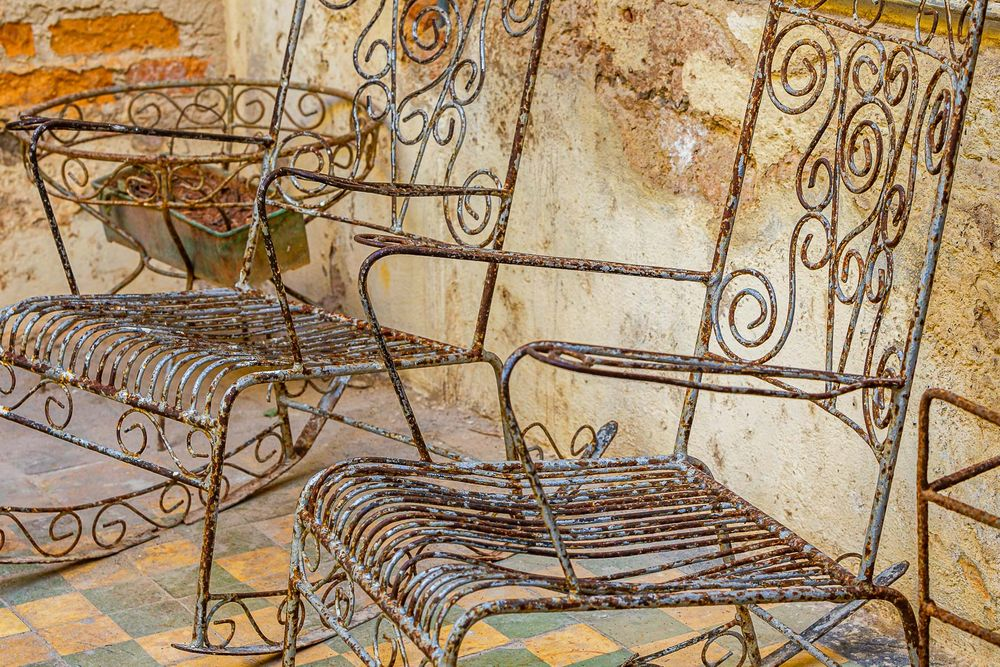 cuba_street_rod_iron_chairs.jpg