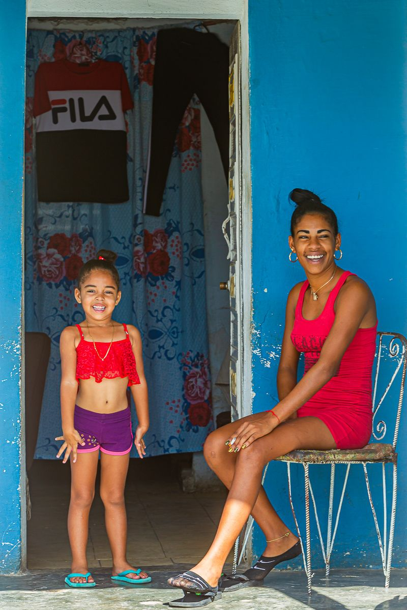 cuba_mother_daughter_front_porch.jpg