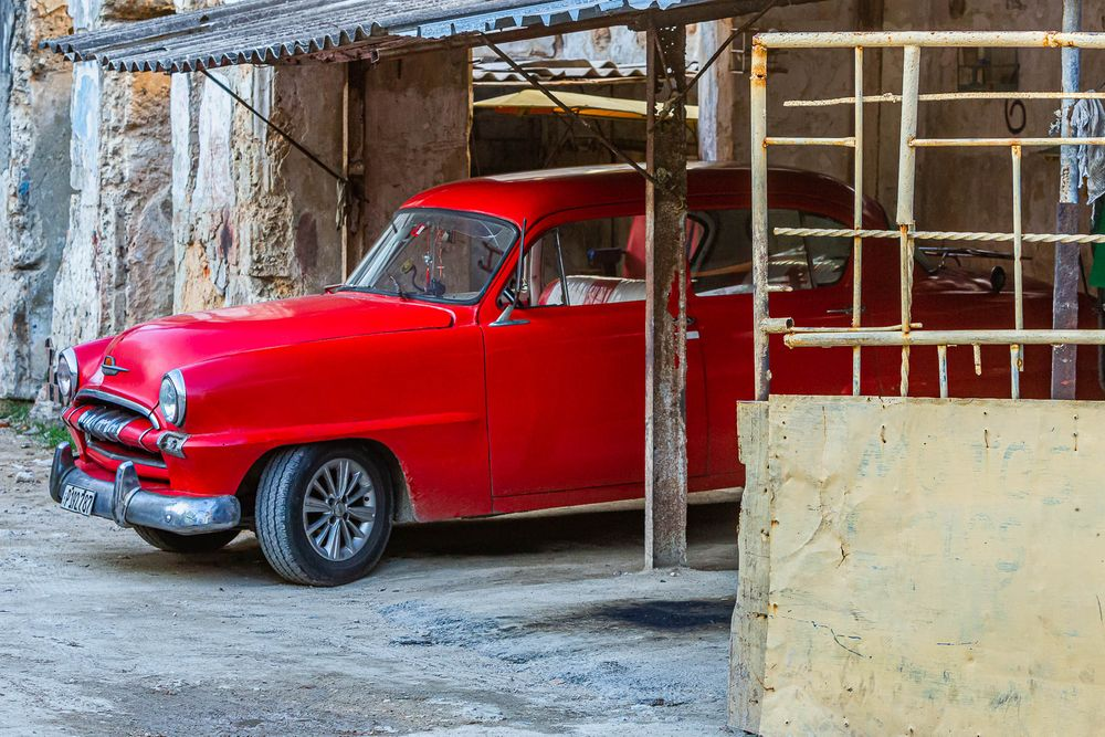 cuba_street_red_car.jpg