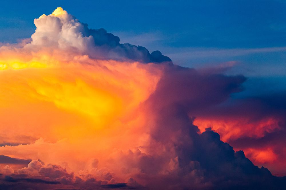 thunderstorm_sunset_clouds.jpg