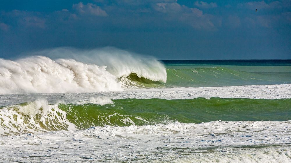 hurricane_sandy_luminous_wave_energy.jpg