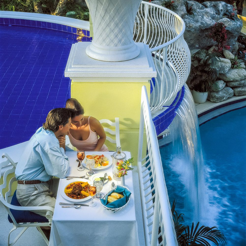 sheraton resort waterfall romantic couple dining.jpg