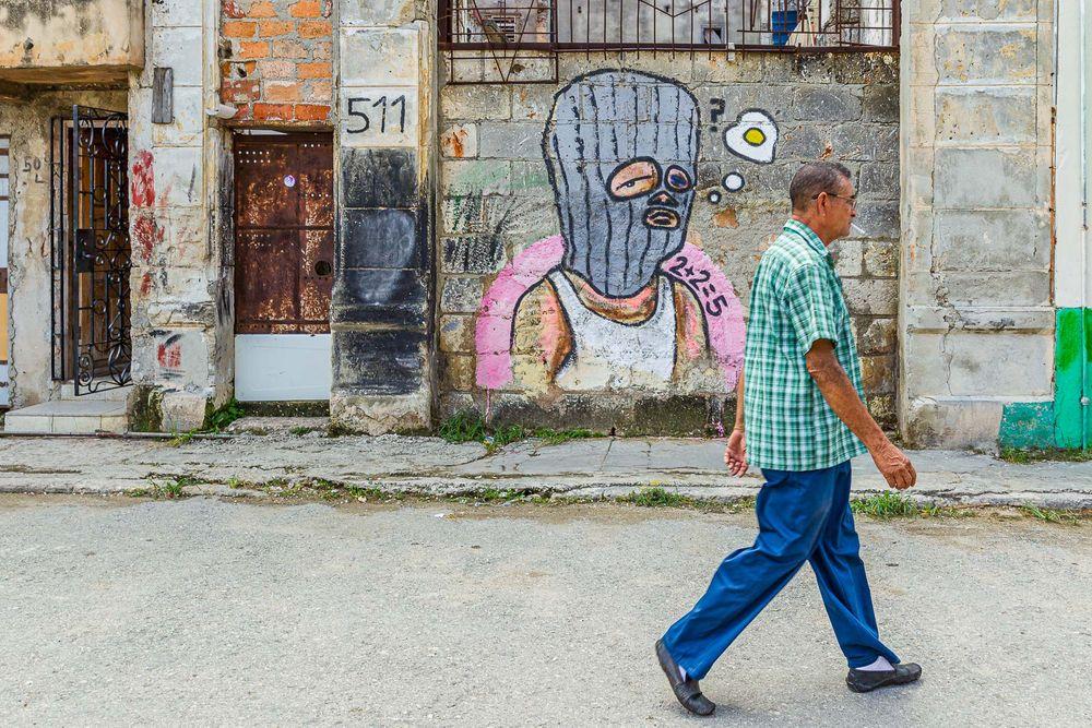 cuba_street_mural_2+2=5.jpg