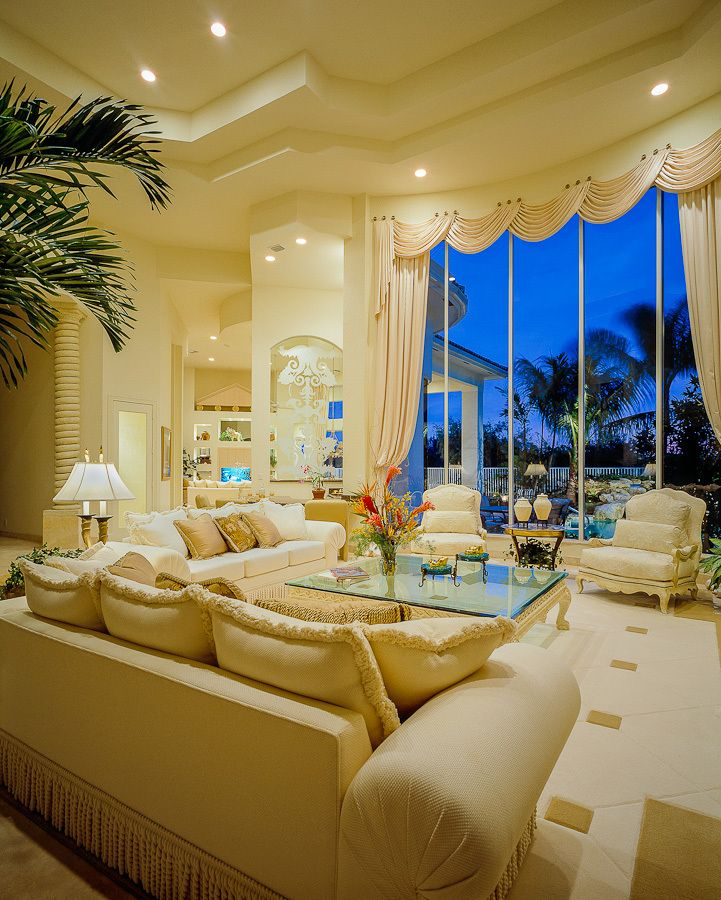 1vintage_oaks_polo_residence_livingroom.jpg