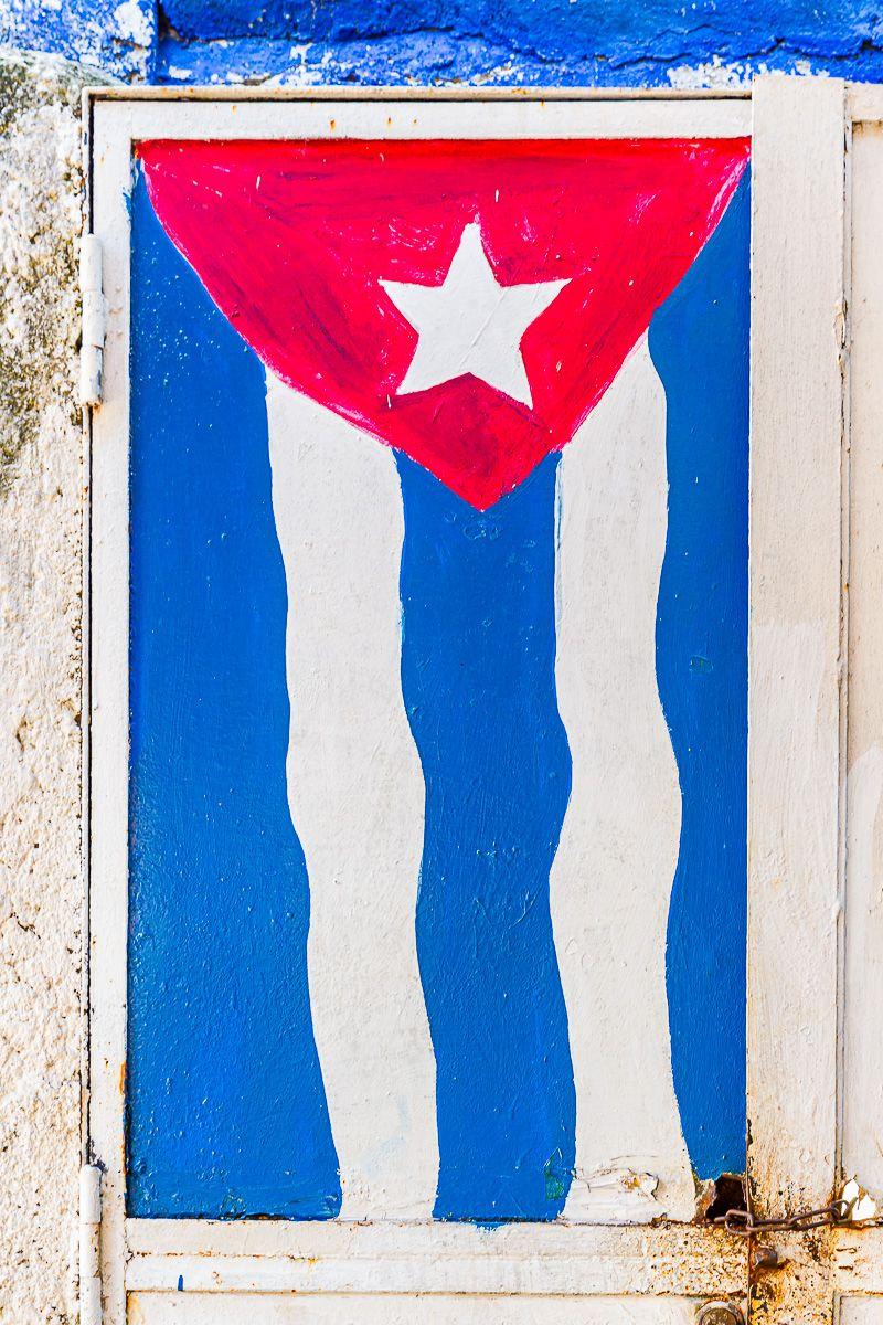 cuba_flag_mural.jpg