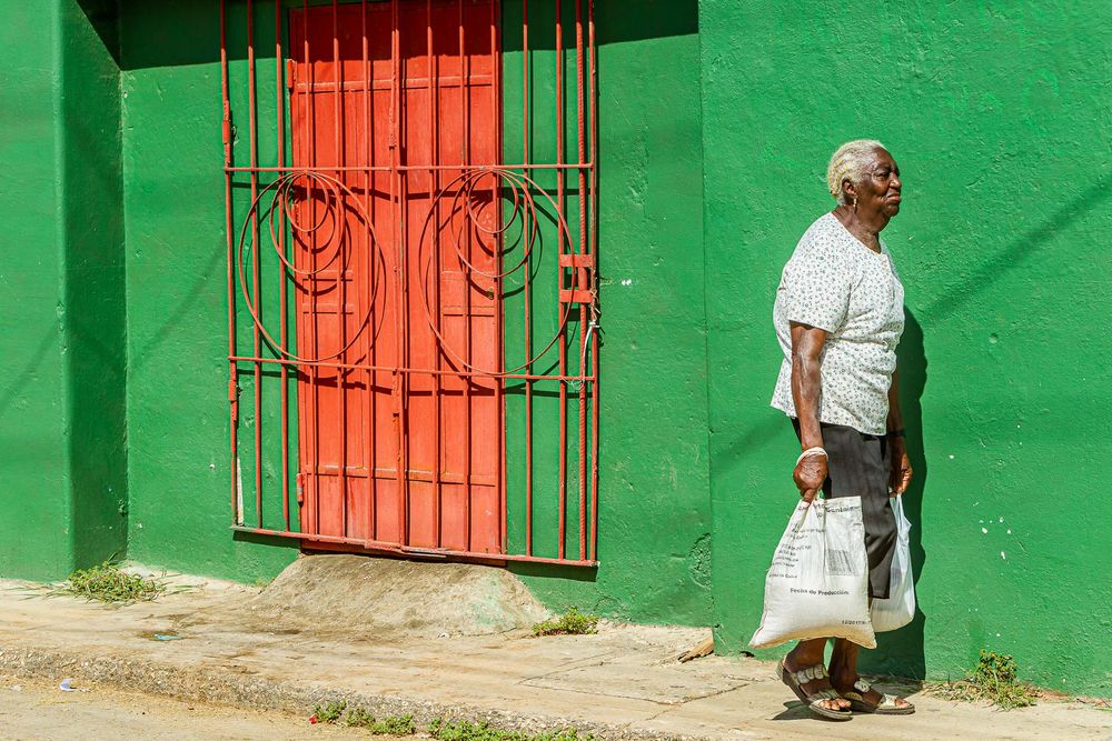cuba_old_woman_errands.jpg